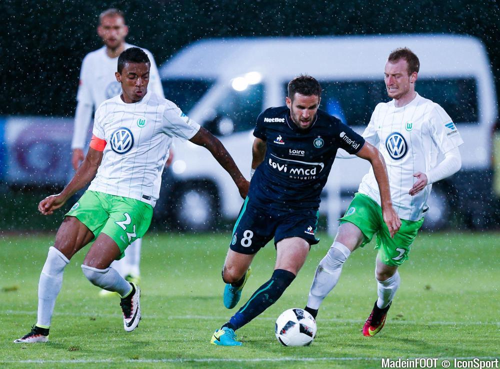 Luiz Gustavo (VfL Wolfsburg) serait dans les petits papiers du PSG.