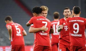 Serge Gnabry, le milieu de terrain offensif ou attaquant du Bayern Munich.