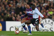 Makelele (Chelsea) et Ronaldinho (Barça)