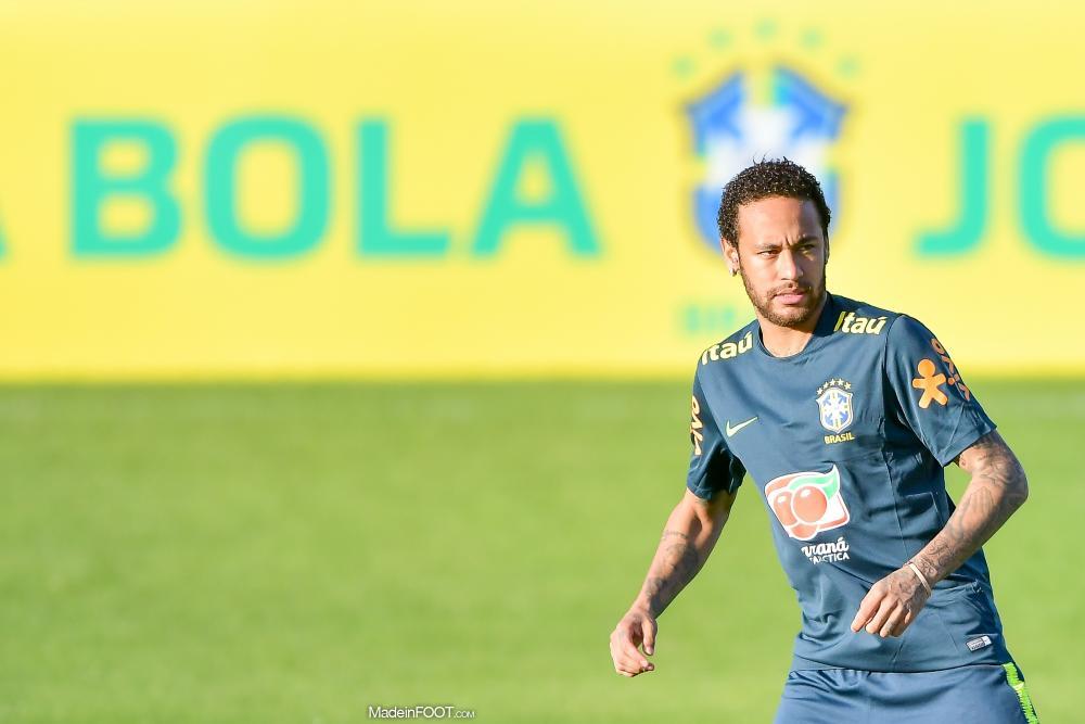 Le PSG devrait proposer une prolongation de contrat à Neymar cet été.