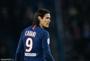 Cavani avec le maillot parisien