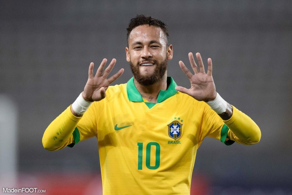 Neymar avec le Brésil