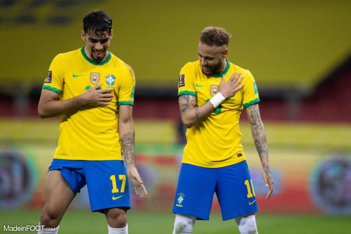 Neymar célèbre la victoire du Brésil