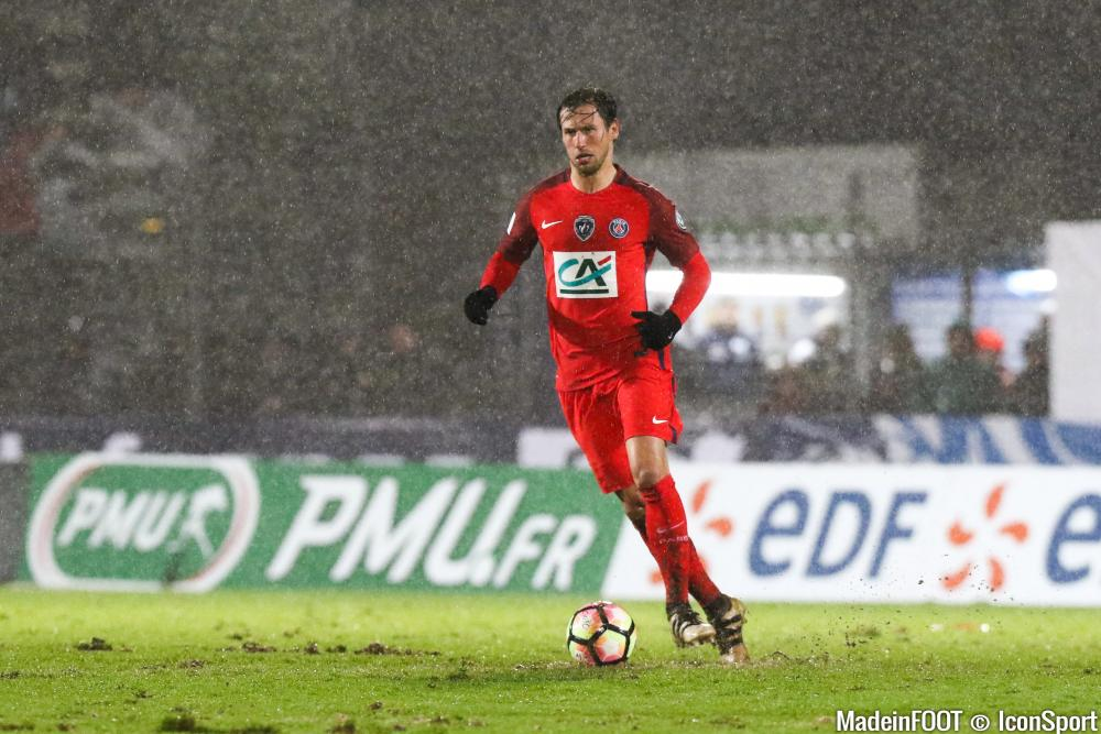 Grzegorz Krychowiak sous la pluie niortaise