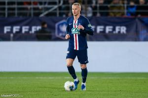 Mitchel Bakker, le défenseur latéral gauche du PSG.
