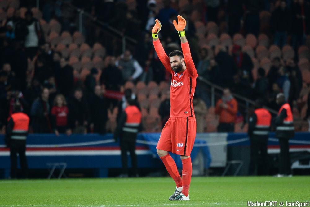 Comme attendu, Salvatore Sirigu est titulaire dans les buts parisiens pour affronter Wasquehal
