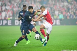Aurier et Thiago Silva (PSG) et Mbappé (ASM)