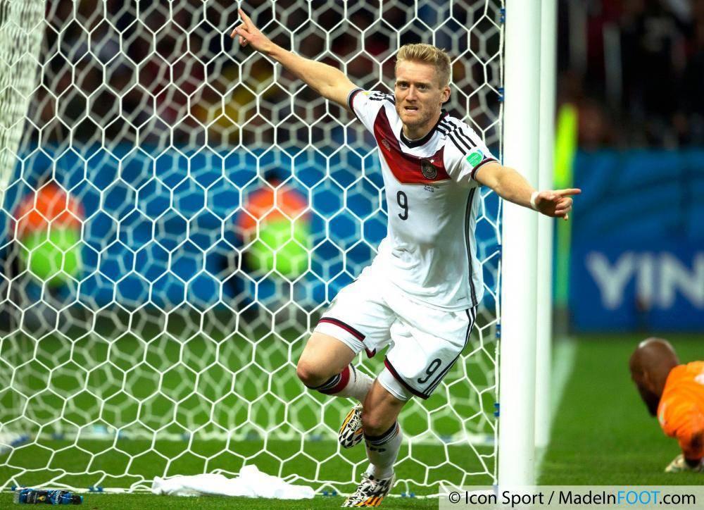 Schürrle a quitté Chelsea pour s'engager en faveur du VfL Wolfsburg.