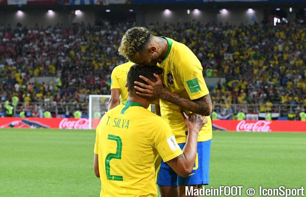 Thiago Silva (Brésil) sera capitaine face au Mexique, lundi après-midi.
