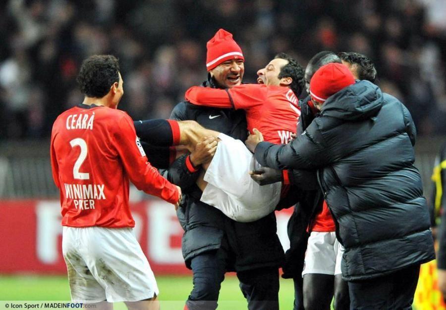 Giuly buteur face à Brest (3-1).