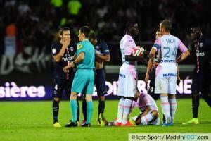 Carton Rouge Yohan CABAYE / Benoit BASTIEN - 22.08.2014 - Evian Thonon / Paris Saint Germain - 3eme journee de Ligue 1 -