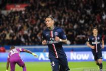 Joie Gregory Van der Wiel - 28.04.2015 - Paris Saint Germain / Metz - Match en retard - 32eme journee Ligue 1
