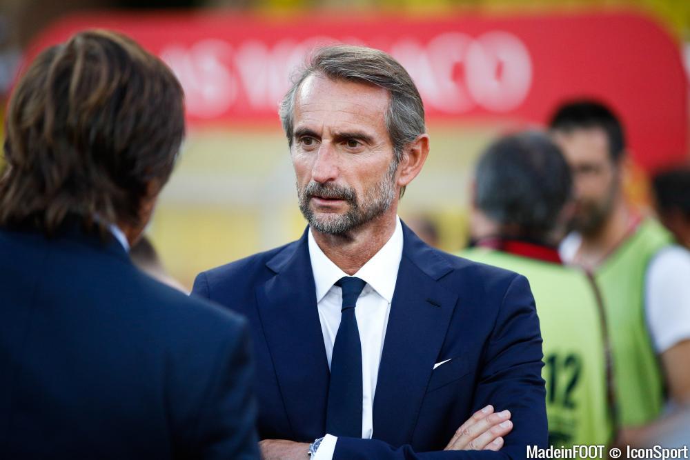Jean-Claude Blanc et le PSG ont étendu leur partenariat avec la firme Orange.