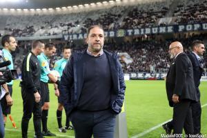 Correa frustré par la défaite à Paris