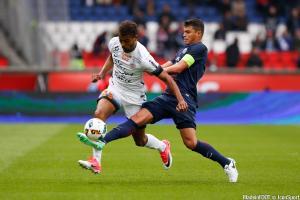 Mounié (MHSC) et Thiago Silva (PSG)
