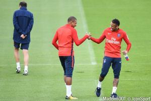 Mbappé et Neymar se sont retrouvés à l'entraînement jeudi.