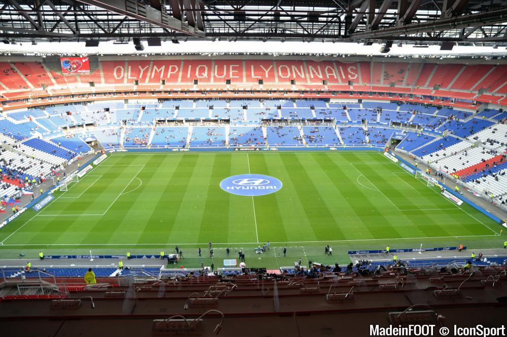 Le Parc OL va accueillir 12.000 supporters parisiens et 6.000 fans monégasques ce samedi