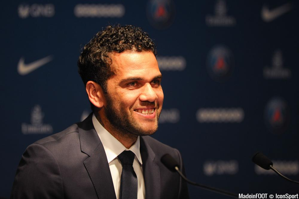 Dani Alves bientôt propriétaire d'un club au Portugal ?