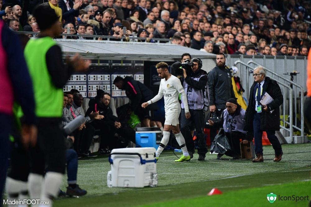 Neymar est sorti sur blessure