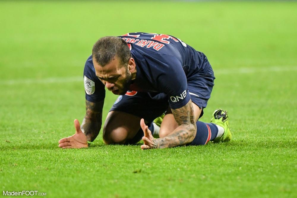 Dani Alves ne comprend pas la situation que traverse le PSG.