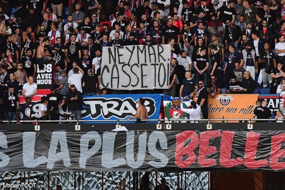La banderole des supporters à l'encontre de Neymar