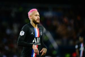 Neymar apporte un soutien financier à l'UNICEF.