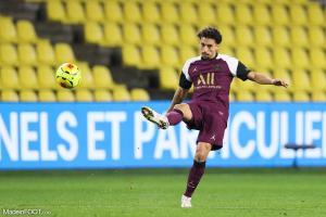 Marquinhos, le défenseur central ou milieu de terrain défensif du PSG.