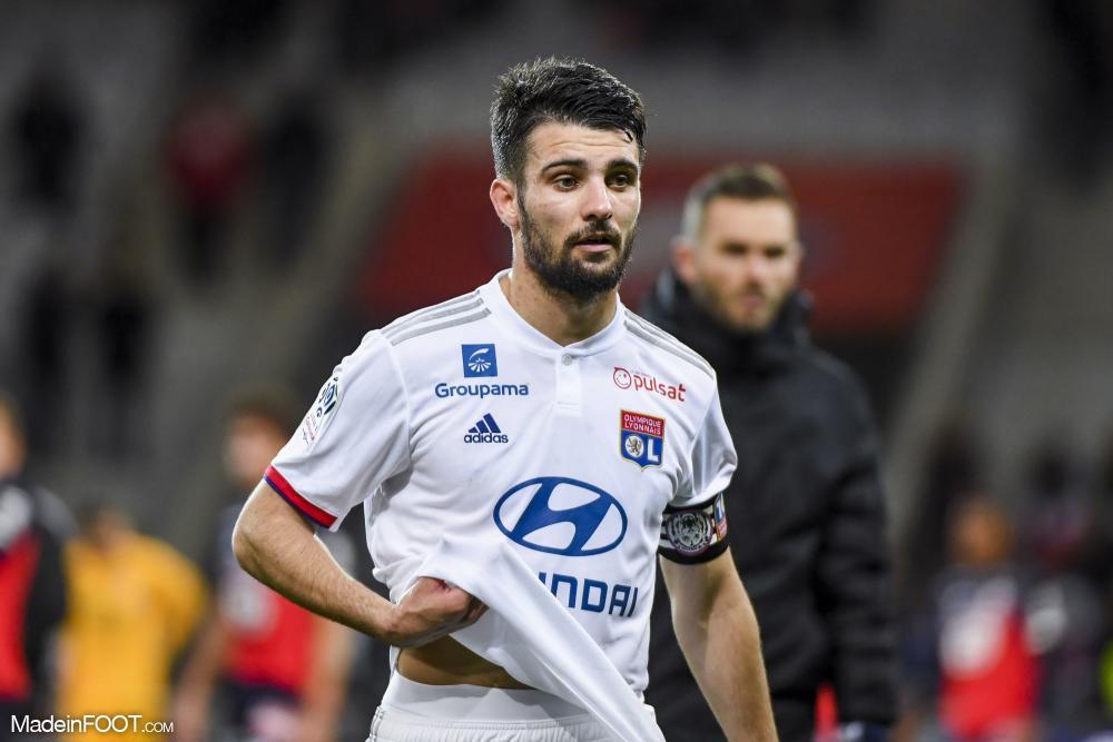 Léo Dubois répond à l'interêt du PSG