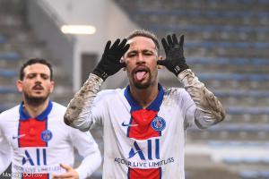 Neymar passe entre les mailles de la LFP