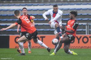 L'album photo du match entre le FC Lorient et le Paris Saint-Germain.