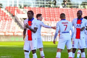L'album photo du match entre le Dijon FCO et le Paris Saint-Germain.