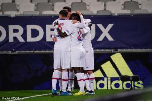 Les joueurs parisiens célébrant un but