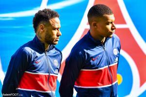 Neymar, l'attaquant du Paris Saint-Germain, ici aux côtés de Kylian Mbappé.