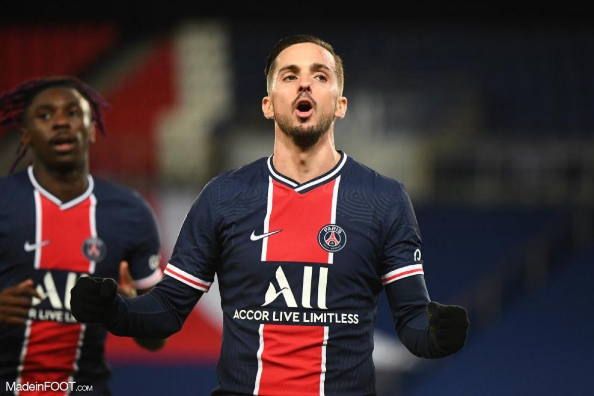 Pablo Sarabia, le milieu de terrain offensif du Paris Saint-Germain et de l'Espagne.