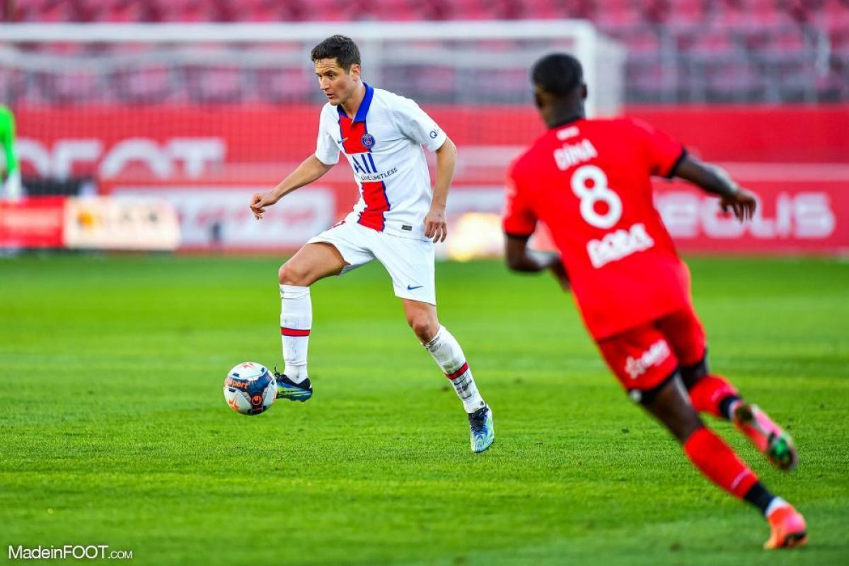 Herrera avec le ballon