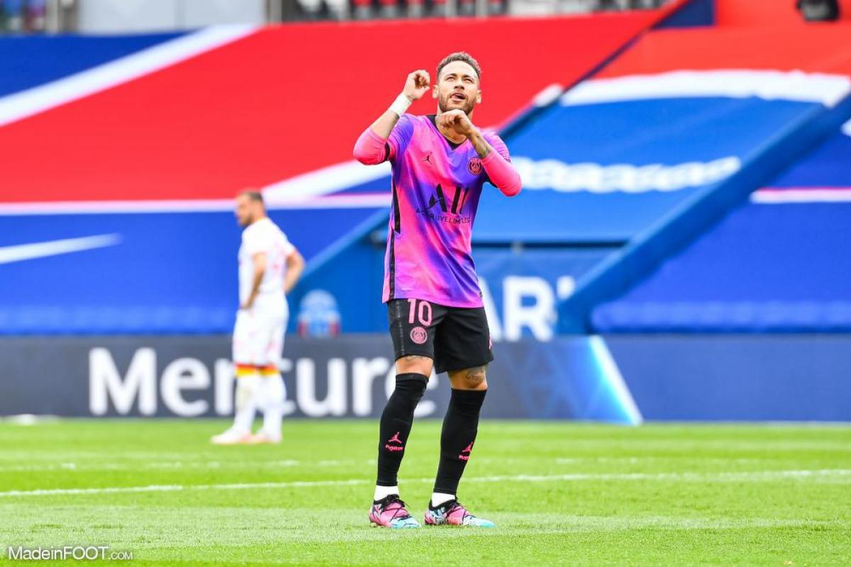 Neymar a disputé 112 rencontres avec le PSG.