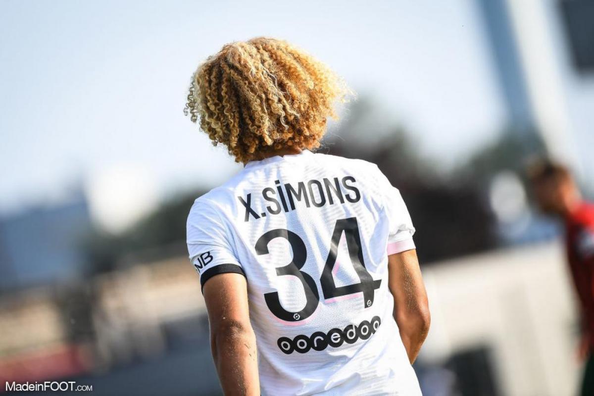 Xavi Simons avec le PSG
