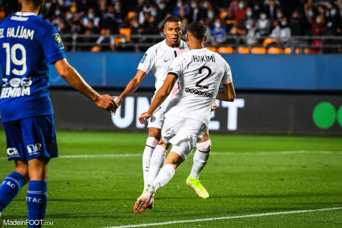 Kylian Mbappé s'entraîne avec le PSG