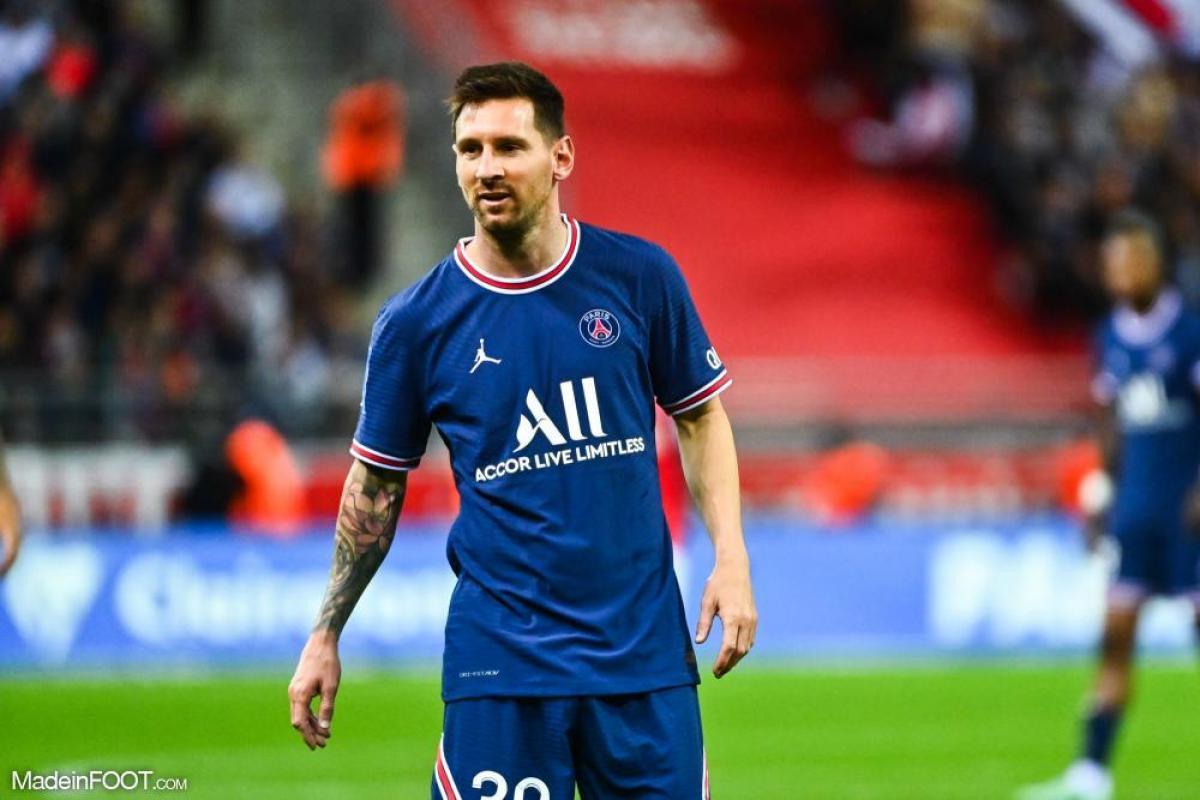 Lionel Messi a fait ses débuts au Parc des Princes hier.
