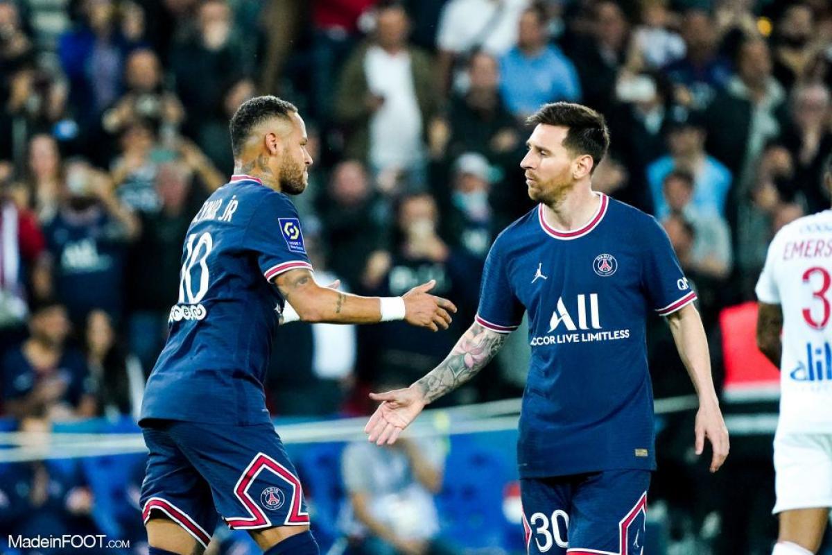 Lionel Messi et Neymar, ici face à l'OL