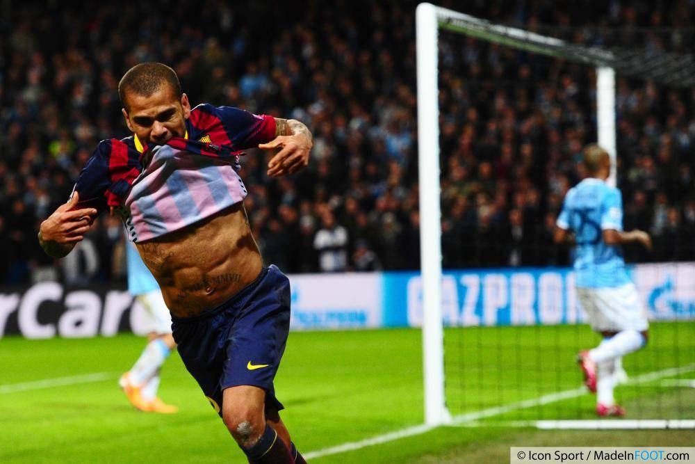 Le PSG veut encore Daniel Alves