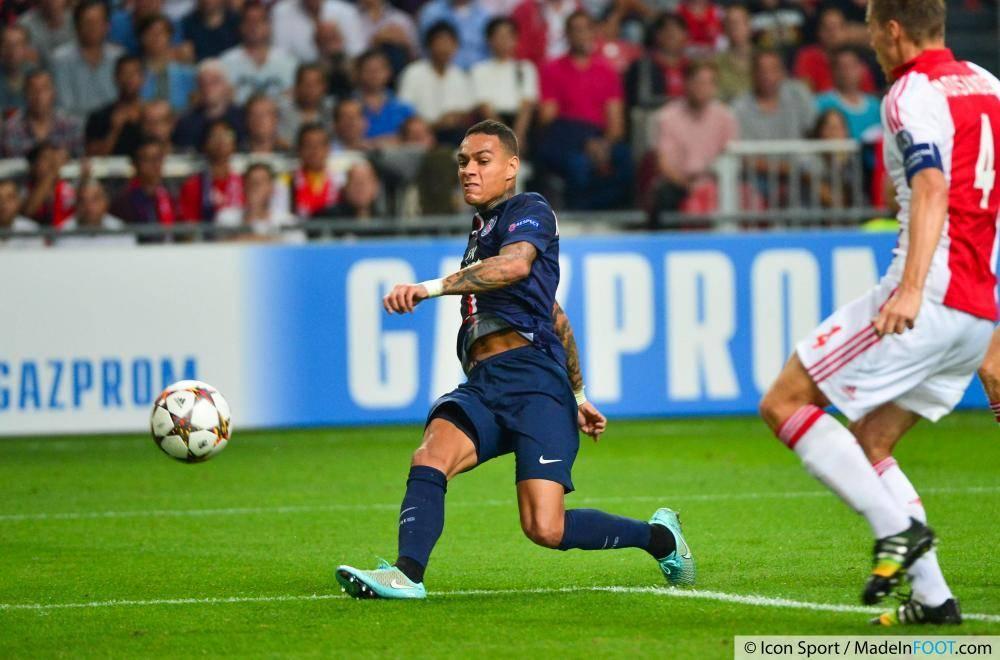 Van der Wiel et le Paris Saint-Germain ont réalisé leur meilleur performance de la saison