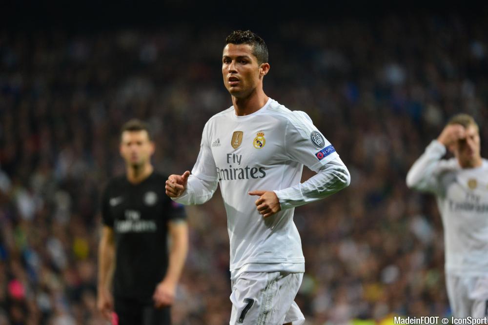Cristiano Ronaldo a moins brillé sur le terrain qu'en dehors, hier soir.