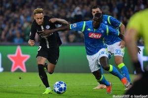 Kalidou Koulibaly, ici face à Neymar en Ligue des Champions.