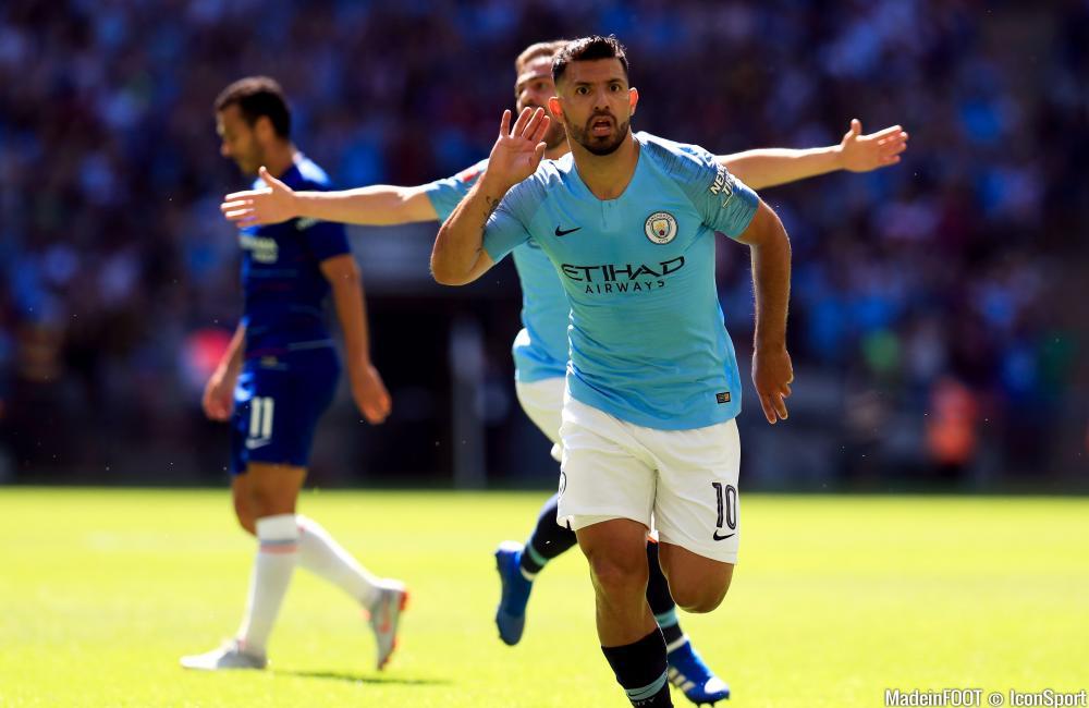 Sergio Agüero, célébrant un but avec Manchester City