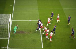 Marquinhos marque pour le PSG face à Leipzig !