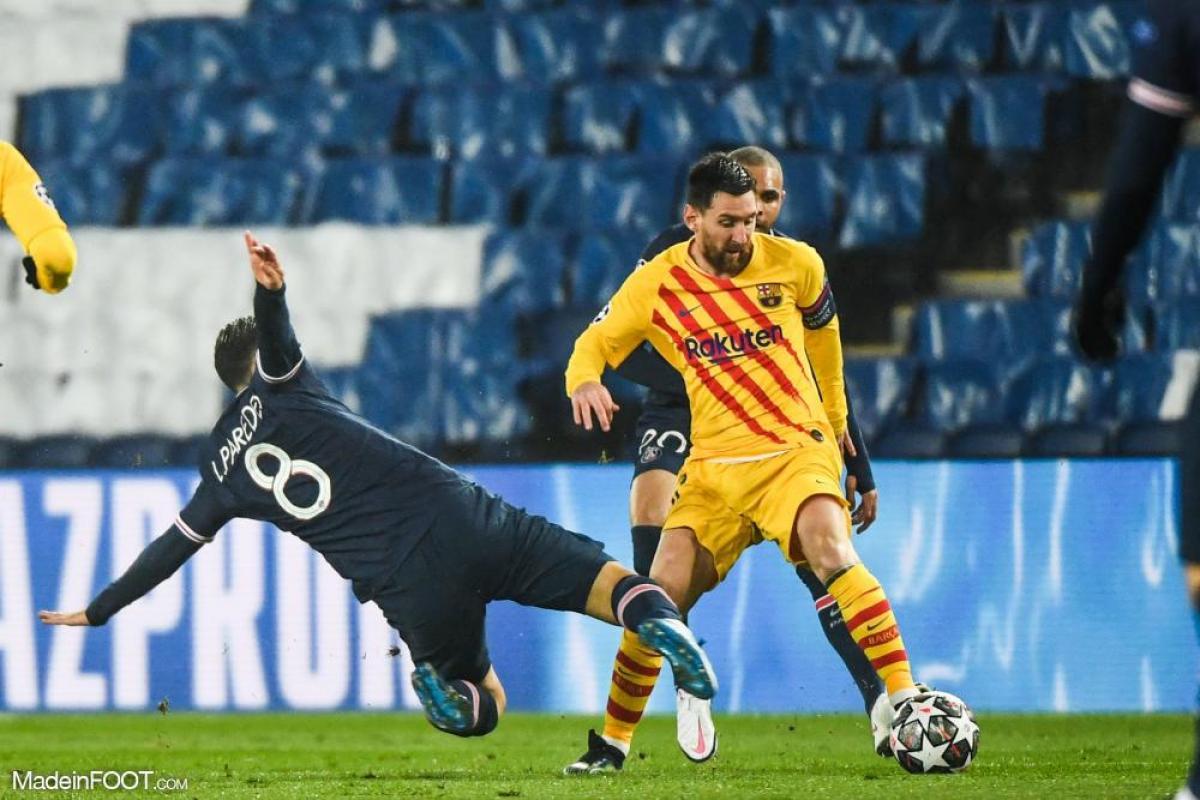 Lionel Messi au duel avec Leandro Paredes