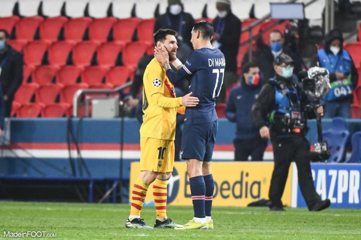 Lionel Messi, l'attaquant argentin du FC Barcelone, ici aux côtés d'Angel Di Maria (PSG).