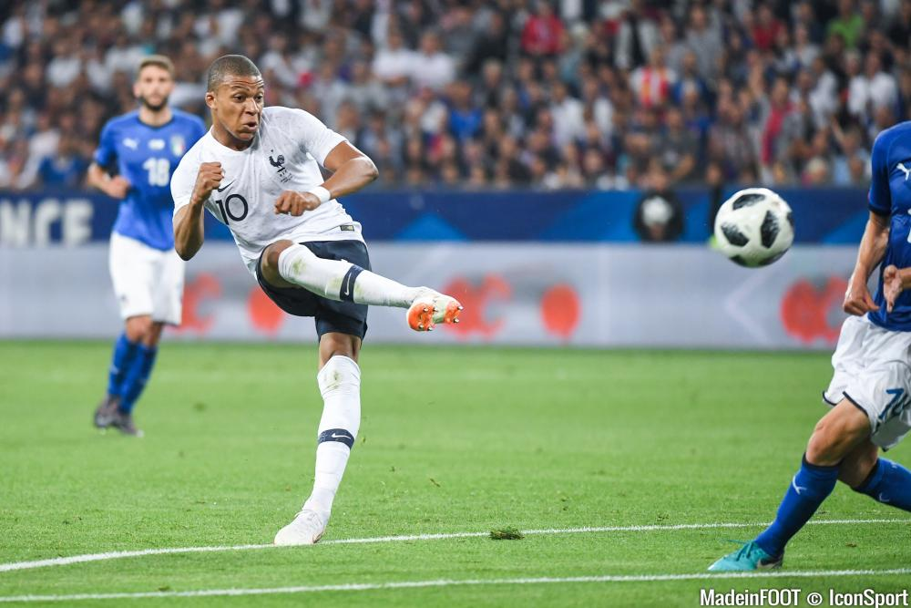 Mbappé et la France s'imposent