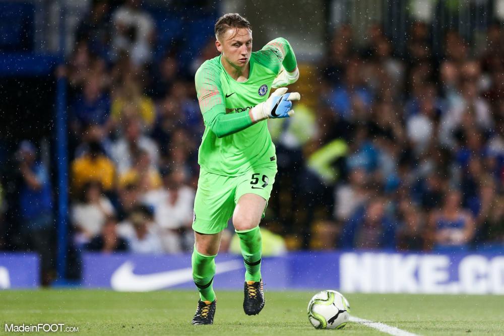 Marcin Bulka sous le maillot de Chelsea